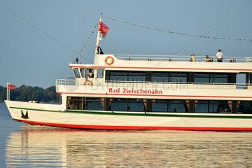 Bad Zwischenahn  Deutschland  Ausflugsschiff auf dem Zwischenahner Meer