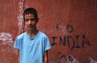 Srinagar  Indien  Portraet eines Jungen