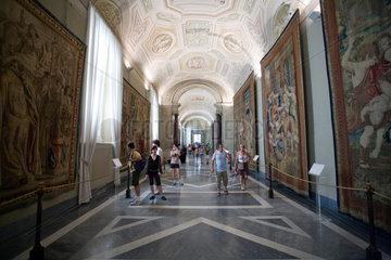 Vatikanstadt  Staat Vatikanstadt  Galerie der Wandteppiche in den Vatikanischen Museen