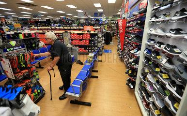 Xinhua Headlines: Americans refuse to live a life of tariffs