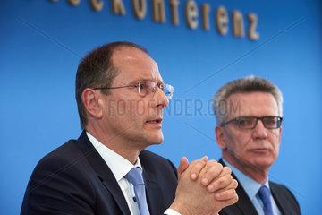 Berlin  Deutschland  Markus Ulbig  CDU  Staatsminister  und Thomas de Maiziere  CDU  Bundesinnenminister