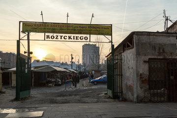 Warschau  Polen  Eingang zum Rozycki Basar