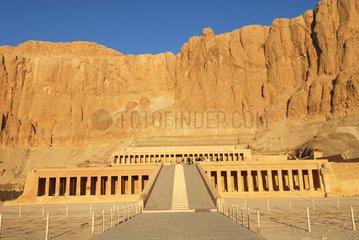 Luxor  Aegypten  der Totentempel der Hatschepsut
