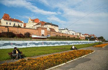 Thorn  Polen  Menschen sitzen am Weichselufer