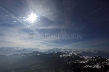 Zug  Schweiz  Blick auf den Zugerberg