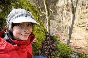 Sonnenbuehl  Deutschland  Maedchen im Drachental