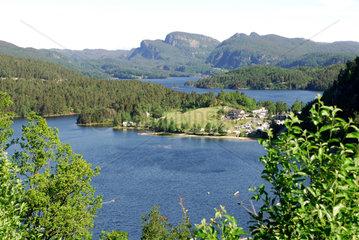 Ana-Sira  Norwegen  Fjorde  Fluesse und Doerfer bei Ana-Sira