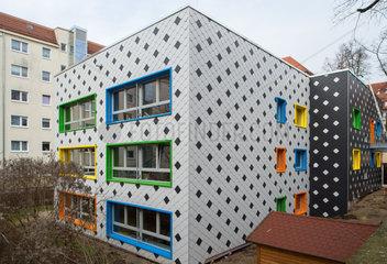 Berlin  Deutschland  saniertes Gebaeude einer Kita