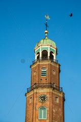 Leer  Deutschland  Wetterfahne auf der Kirchturmspitze der Grossen Kirche in Leer