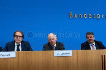 Berlin  Deutschland  Pressekonferenz zum Thema Foerderung der E-Mobilitaet