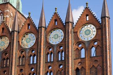 Stralsund  Deutschland  Fassadendetail vom Stralsunder Rathaus