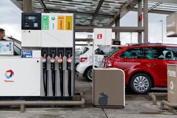 Berlin  Deutschland  Total-Tankstelle in der Berliner Heidestrasse