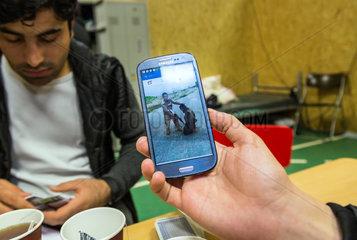 Bremen  Deutschland  afghanische Fluechtlinge in einer Notunterkunft