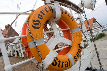 Stralsund  Deutschland  Rettungsring der Gorch Fock