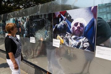 Odessa  Ukraine  Fotoausstellung zu den Ereignissen am Majdan 2014
