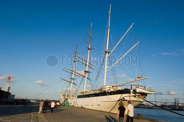 Stralsund  Deutschland  Museumsschiff Gorch Fock im Hafen