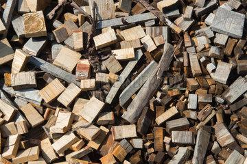 Cered  Ungarn  Abfaelle einer Holzfabrik