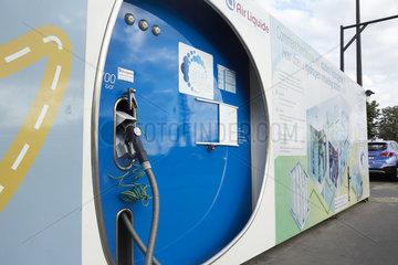 Paris  Ile-de-France  Frankreich - Eine Wasserstofftankstelle im Zentrum von Paris.