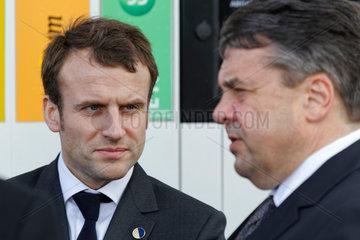 Berlin  Deutschland  Sigmar Gabriel  SPD  Bundeswirtschaftsminister  und Emmanuel Macron  PS  franzoesischer Wirtschaftsminister
