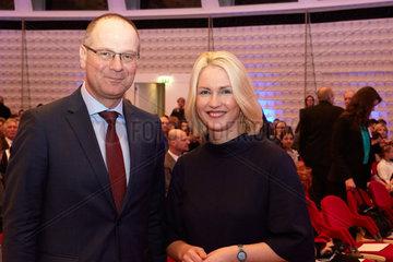 Berlin  Deutschland  EU-Bildungskommissar Tibor Navracsics  und Manuela Schwesig  SPD  Familienministerin