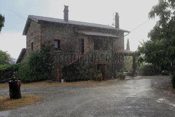 Torre Alfina  Italien  Landhaus Pomantello im Regen