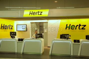 Stuttgart  Deutschland  Hertz-Autovermietung am Flughafen Stuttgart