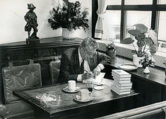 Egon Krenz  Buchautor  1990