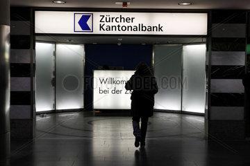 Zuerich  Schweiz  Eingang der der Zuercher Kantonalbank