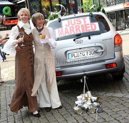 Kiel  Deutschland  nach der kirchlichen Trauung zweier Frauen