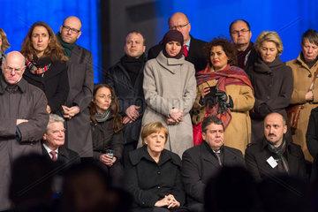 Berlin  Deutschland  Mahnwache des Zentralrats der Muslime anlaesslich der Terroranschlaege in Paris