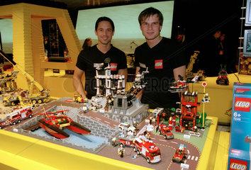 Nuernberg  Spielwarenmesse - LEGO zeigt seine Produkte