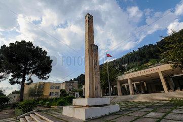 Berat  Albanien  Denkmal Lavdi Deshmoreve