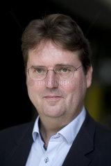 Prof. Bernd Stegemann  Aufstehen