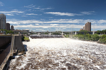 Dam on the Mississippi River in Minneapolis  Minnesota  USA
