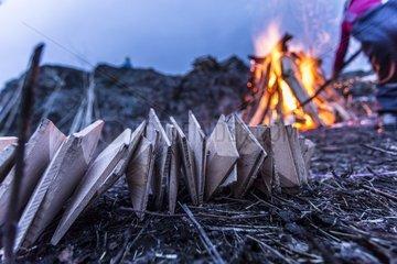 Anfachfeuer fuer das Scheibenschlagen im suedlichen Schwarzwald