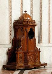 Monreale  Italien  ein Beichtstuhl in der Kathedrale Santa Maria Nuova