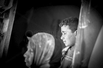 Jugendliche in einem Fluechtlingscamp in der Bekaa-Ebene