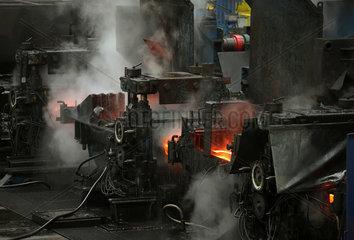 Warschau  Polen  das Stabstahl-Walzwerk im Stahlwerk ArcelorMittal Warszawa