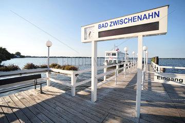 Bad Zwischenahn  Deutschland  MS Ammerland am Bootsanleger
