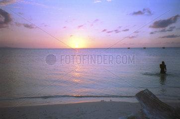 Sonnenuntergang am Strand von Jamaika