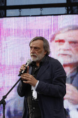 Gino Strada bei eine Emergency Demonstration in Rom