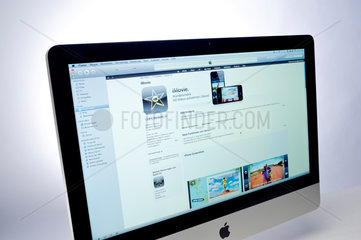 Hamburg  Deutschland  der App Store mit iMovie im Multimedia-Verwaltungsprogramm iTunes