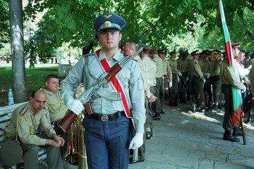 Bulgarischer Luftwaffesoldat vor einem Appell  Sofia
