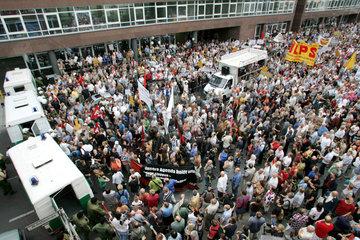 Montagsdemonstration in Berlin gegen Hartz IV