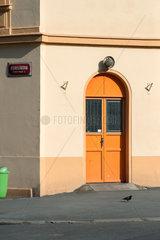Prag  Tschechien  Hausecke mit Eingangstuer