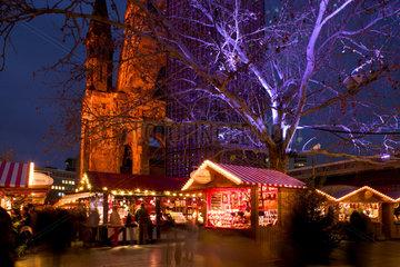 Berlin  Weihnachtsmarkt auf dem Breitscheidplatz