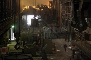 Warschau  Polen  die Pfannenofenanlage im Stahlwerk ArcelorMittal Warszawa