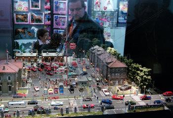 Nuernberg  Spielwarenmesse - Modellautos und Figuren