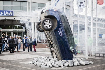 IAA 2017  Greenpeace Aktion Burnout