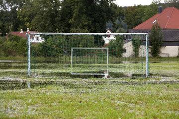 Ueberschwemmter Fussballplatz